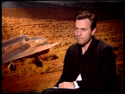 ewan mcgregor on being a fan of hilary swank and what she brought to the role of amelia earhart at the 'amelia' press junket at new york ny - hilary swank stock videos & royalty-free footage