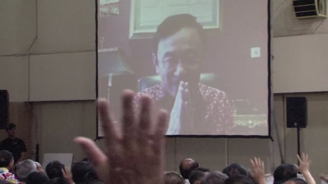 ex mps from thailands toppled government meet for the first time since a 2014 coup for a skype address by thaksin shinawatra the self exiled former... - esilio video stock e b–roll