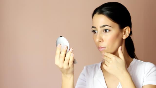 Examining skin