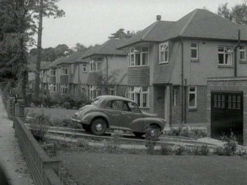 Examples of typical suburban houses in the 1950s