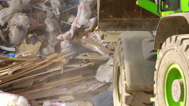 excavator 移動のコレクションが廃棄物 cu - 建設機械点の映像素材/bロール