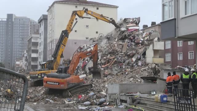 Excavators Demolish A Risky Building In Kartal District Of Istanbul