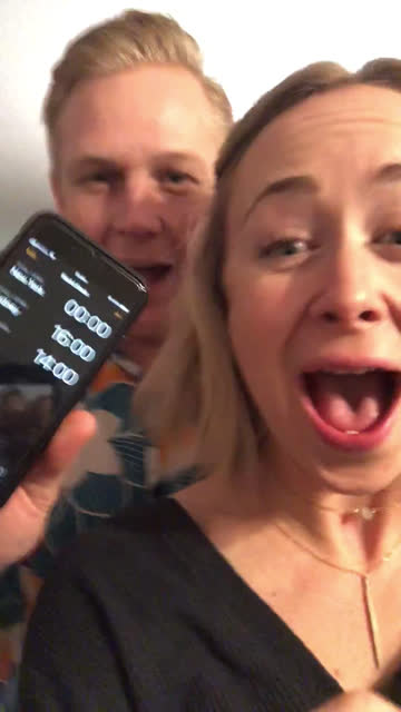 vídeos de stock e filmes b-roll de excited young couple virtually celebrates friend's birthday at exactly midnight (audio) - 30 seconds or greater