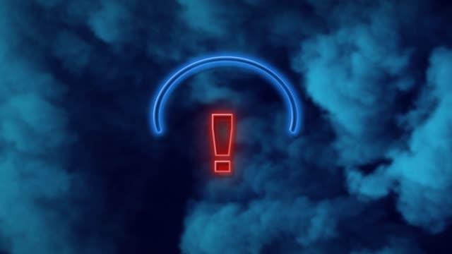 vídeos de stock e filmes b-roll de exclamation point on neon light against blue background in 4k resolution - ponto de exclamação
