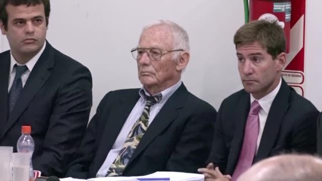 exdirectivos de la automotriz estadounidense ford comenzaron a ser juzgados el martes acusados de permitir el secuestro y tortura de 24 trabajadores... - sindicatos stock videos & royalty-free footage