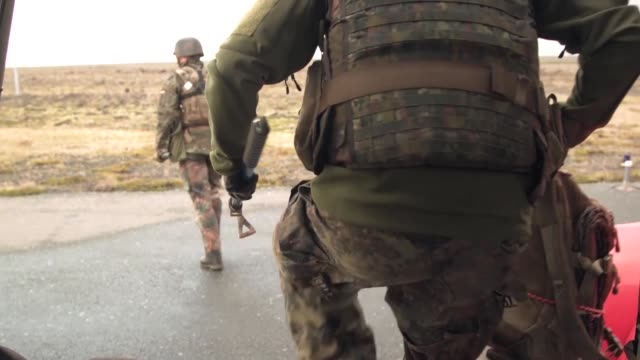 exercise northern challenge is an icelandhosted multinational counterimprovised explosive device exercise in which participants share military... - 平和維持点の映像素材/bロール