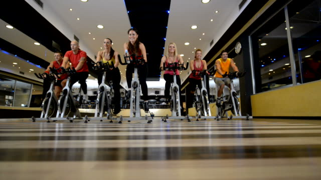 Spinning, TRAINING