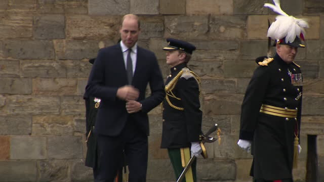 stockvideo's en b-roll-footage met exeterior shots of the duke of cambridge arriving at holyrood house to attend the ceremony of the keys on 22nd may 2021, united kingdom - clean