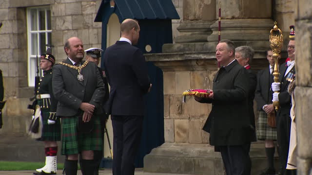 stockvideo's en b-roll-footage met exeterior shots of the duke of cambridge inspecting the guard of honour greeting officials at the ceremony of the keys on 22nd may 2021, united... - clean