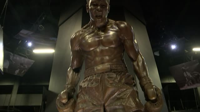 exhibition about former heavyweight champion muhammad ali arrives in britain england london o2 arena int statue of muhammad ali at new exhibition... - heavyweight stock videos and b-roll footage