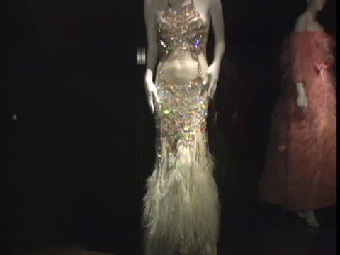 vídeos de stock e filmes b-roll de exhibition at the roberto cavalli hosts a preview gala for the metropolitan museums wild: fashion untamed arrivals & performance by destinys child at... - gala