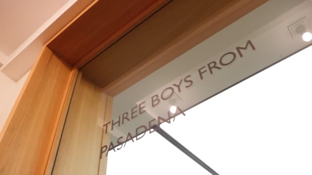 """exhibition room with the inscription in the window: """"three boys from pasadena"""" at the opening event of the exhibition: """"helmut newton sumo / mark... - fashion photography stock videos & royalty-free footage"""