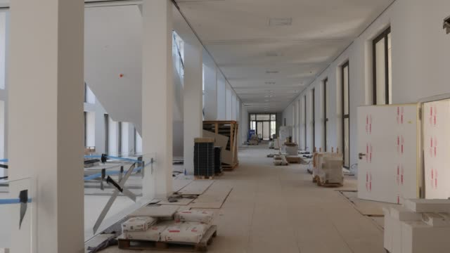 exhibition rooms in the humboldt forum stand under construction on june 17 2019 in berlin germany the humboldt forum will occupy the rebuilt berliner... - berliner stadtschloss stock-videos und b-roll-filmmaterial