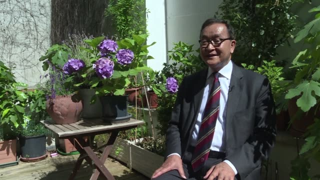 exiled in paris sam rainsy a former cambodian opposition leader calls on his compatriots to boycott the 29 july parliamentary elections which he... - esilio video stock e b–roll