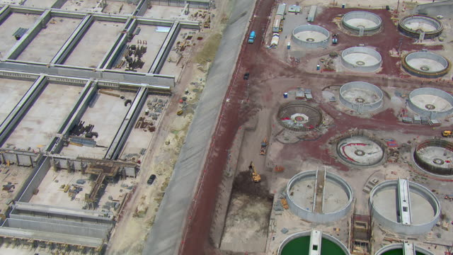 vídeos de stock, filmes e b-roll de expansion of the atotonilco wastewater treatment plant in the valley of mexico. - montanhas tepoztlan