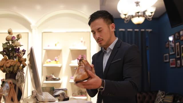 Experte In der Schuhbranche