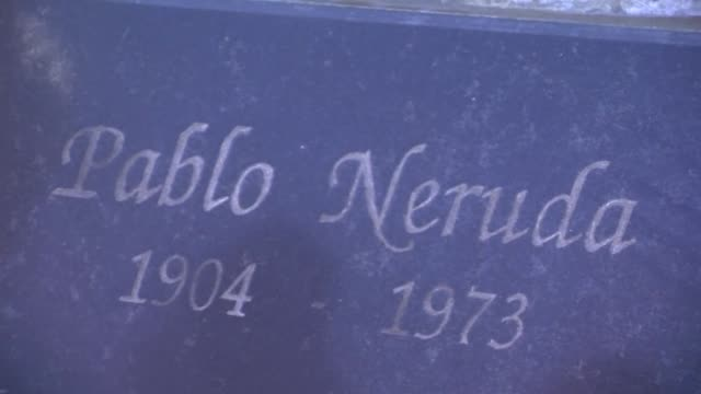 experts on sunday started work on opening the tomb of chilean nobel prize winning poet pablo neruda to uncover his remains and determine if he died... - antofagasta region stock videos and b-roll footage