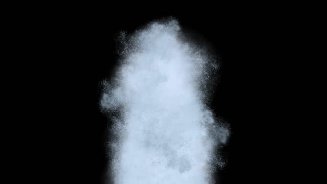 vídeos de stock e filmes b-roll de explosion smoke alpha channel - acabamento mate