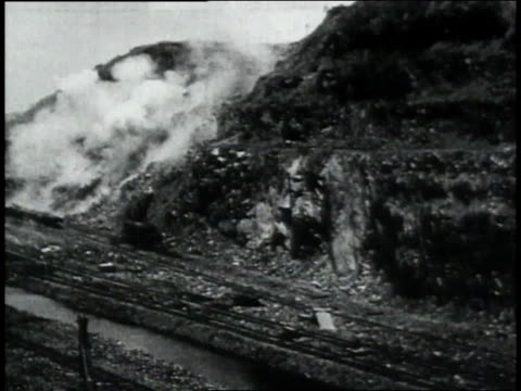 montage explosions while excavating the panama canal / republic of panama - 1906 stock-videos und b-roll-filmmaterial