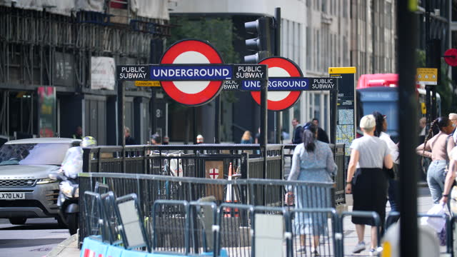 ext monument underground station, london - western script stock videos & royalty-free footage