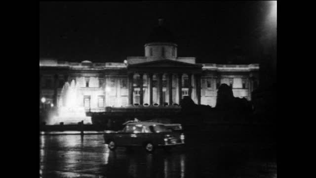 ext zo national gallery and fountains in trafalgar square; 1967 - brightly lit stock videos & royalty-free footage