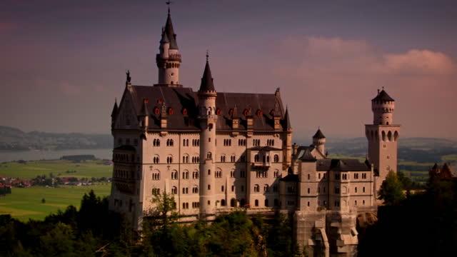 ext neuschwanstein castle in bavaria - fairytale stock videos & royalty-free footage
