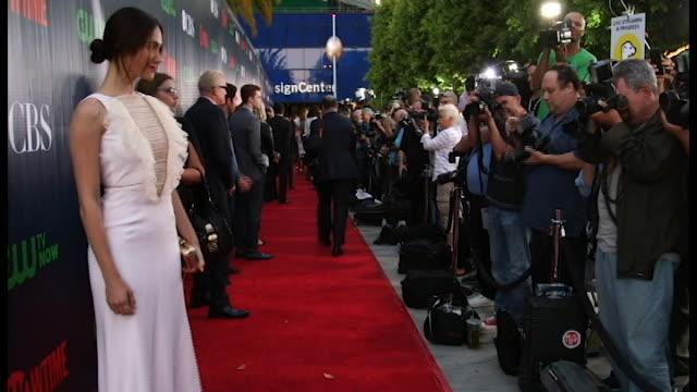 vídeos de stock, filmes e b-roll de extant red carpet photos - emmy rossum