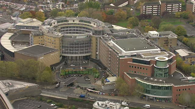 vidéos et rushes de exterior aerial shots bbc television centre at wood lane, west london bbc television centre aerials on november 12, 2012 in london, england - bbc