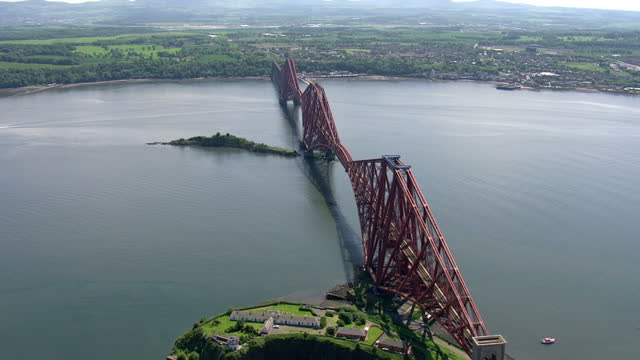 exterior aerial shots forth railway bridge over the firth of forth on june 11th 2014 in rosyth scotland - firth of forth stock videos & royalty-free footage