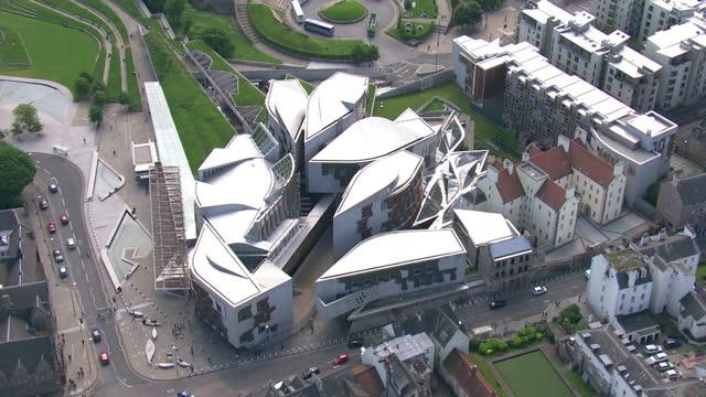exterior aerial shots holyrood scottish parliament building on february 23 2014 in edinburgh scotland - holyrood bildbanksvideor och videomaterial från bakom kulisserna