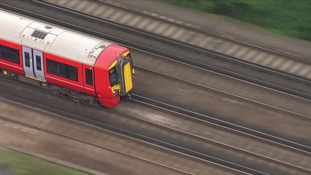 exterior aerial shots of a gatwick express train leaving the airport and along tracks towards central london on 5 september 2018 in gatwick, united... - gatwick airport stock videos & royalty-free footage