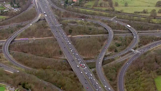 exterior aerial shots of traffic on the m25 motorway the day before christmas eve on december 23, 2016 in london, england. - m25 video stock e b–roll