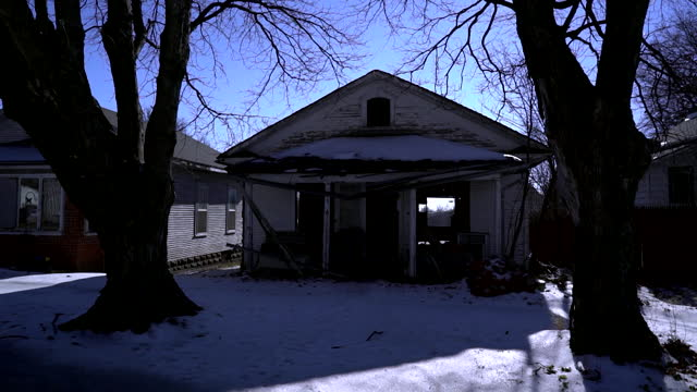 exterior and interior of house in skidmore, missouri where bobbie jo stinnett was murdered by lisa montgomery in 2004 - missouri stock videos & royalty-free footage