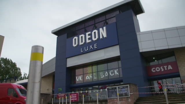 exterior and interior of odeon cinema in glasgow as cinemas reopen in scotland following coronavirus lockdown - odeon cinemas点の映像素材/bロール