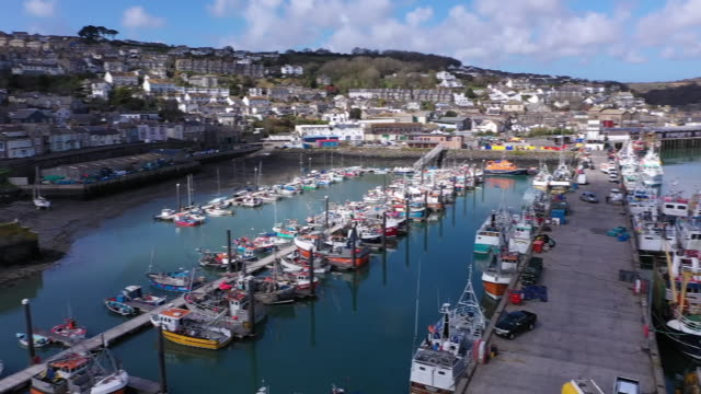 exterior drone shots of newlyn harbour on 20 april 2020 in newlyn united kingdom - bay of water stock videos & royalty-free footage
