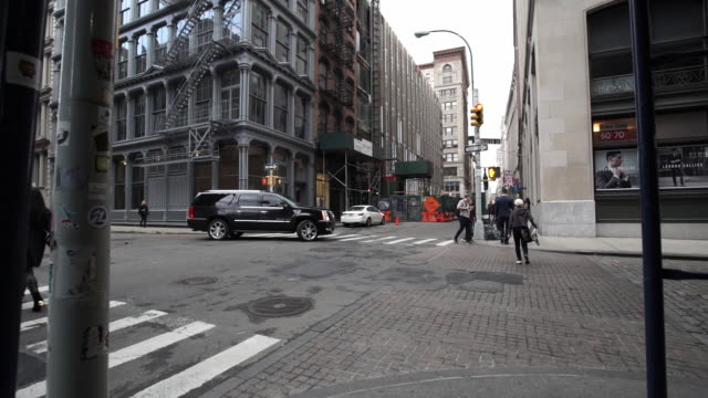 soho - exterior - establishing shot - zebra crossing stock videos & royalty-free footage