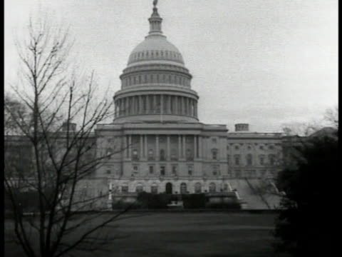 exterior front of capitol building w/ lawn fg. iconic landmark democracy. - 1932 stock videos & royalty-free footage