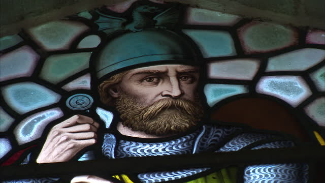 exterior interior shots of the national wallace monument in stirling featuring stained glass windows of sir william wallace holding the sword on... - スコットランド スターリング点の映像素材/bロール