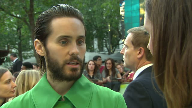 exterior interview jared leto, actor on red carpet at london premiere of suicide squad talks about being proud to be part of film, following in heath... - heath ledger stock videos & royalty-free footage
