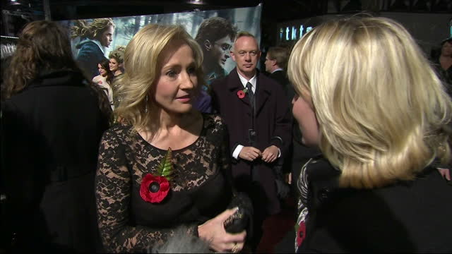 exterior interview jk rowling on the red carpet at the premiere of harry potter the deathly hallows jk rowling interview on november 11 2010 in... - j.k. rowling stock videos and b-roll footage