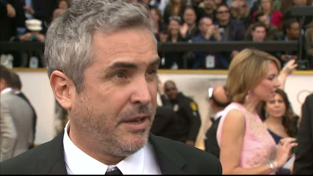 exterior interview with alfonso cuaron director of gravity on march 02 2014 in los angeles california - alfonso cuaron stock videos & royalty-free footage
