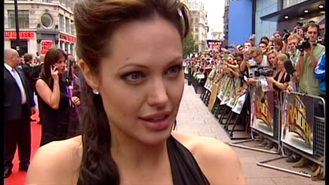 Exterior interview with Angelina Jolie on explosion at UN building in Baghdad