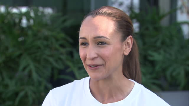 exterior interview with jessica ennis-hill after winning a silver medal at the rio 2016 olympic games. part four on august 14, 2016 in rio de... - zweiter platz stock-videos und b-roll-filmmaterial