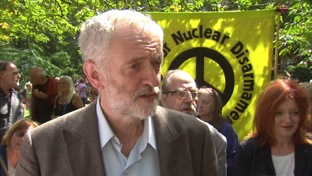 vidéos et rushes de exterior interview with labour leadership hopeful jeremy corbyn on hiroshima day being marked by a cnd rally and his thoughts on the diversity of the... - socialisme