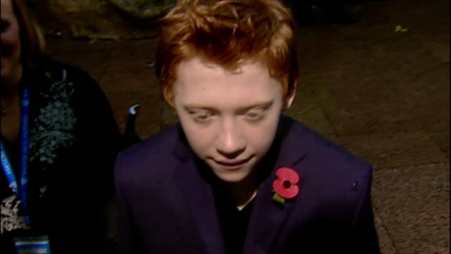 exterior interview with rupert grint at the premiere of harry potter and the chamber of secrets on november 3 2002 in london england - film premiere stock videos & royalty-free footage