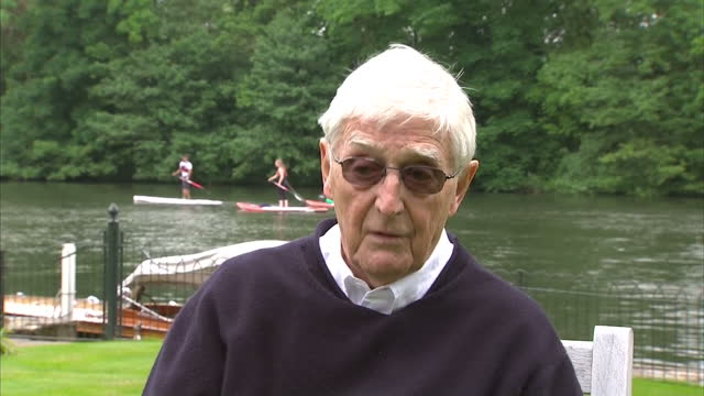 stockvideo's en b-roll-footage met exterior interview with sir michael parkinson tv broadcaster about muhammad ali and the legacy he has left behind june 04 2016 in bray berkshire... - michael parkinson
