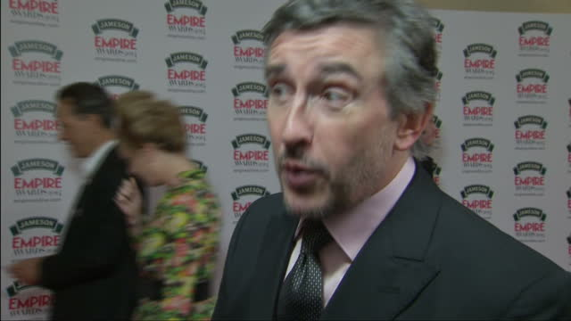 vidéos et rushes de exterior interview with steve coogan on alpha papa and philomena movies on march 30 2014 in london england - steve coogan