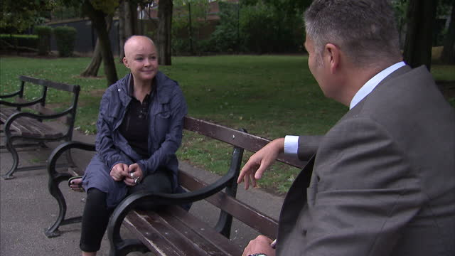 stockvideo's en b-roll-footage met exterior interview with television presenter gail porter on the nature of depression and death of the comedian robin williams on august 12 2014 in... - gail porter