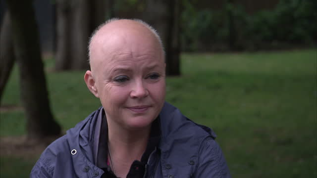 stockvideo's en b-roll-footage met exterior interview with television presenter gail porter regarding the nature of depression part 3 on august 12 2014 in london england - gail porter