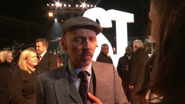 exterior interview with the actor ewen bremner at the trainspotting 2 premiere on january 22 2017 in edinburgh scotland - ewen bremner stock videos & royalty-free footage